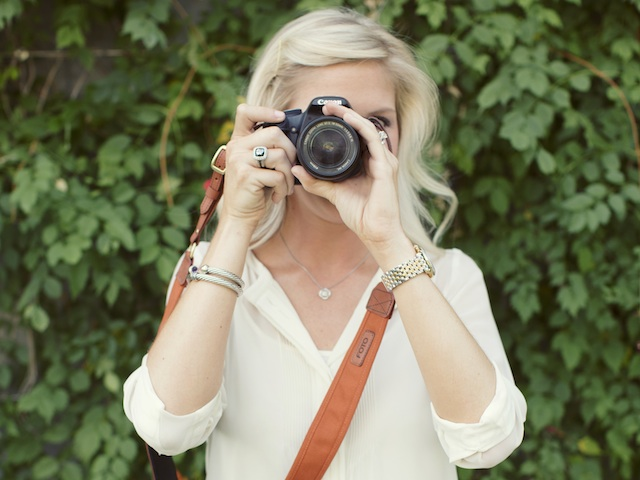 Fotostrap on Zola Wedding Registry